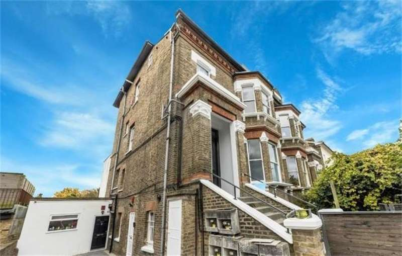2 Bedrooms Flat for sale in The Avenue, Queens Park, London, NW6 7YD