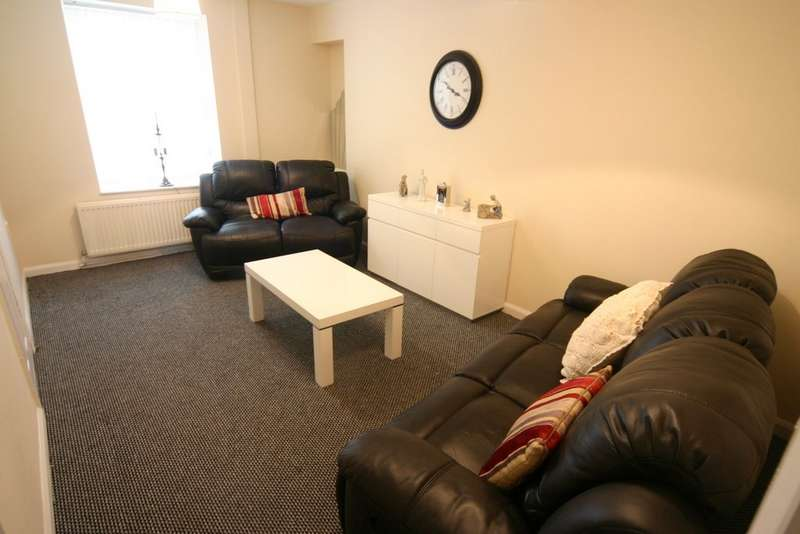 3 Bedrooms Terraced House for sale in Gorseion, SA4 6AY