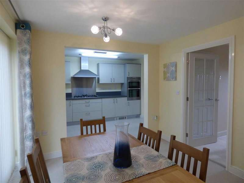 4 Bedrooms Detached House for rent in Cornelia Road, Bournemouth, Dorset