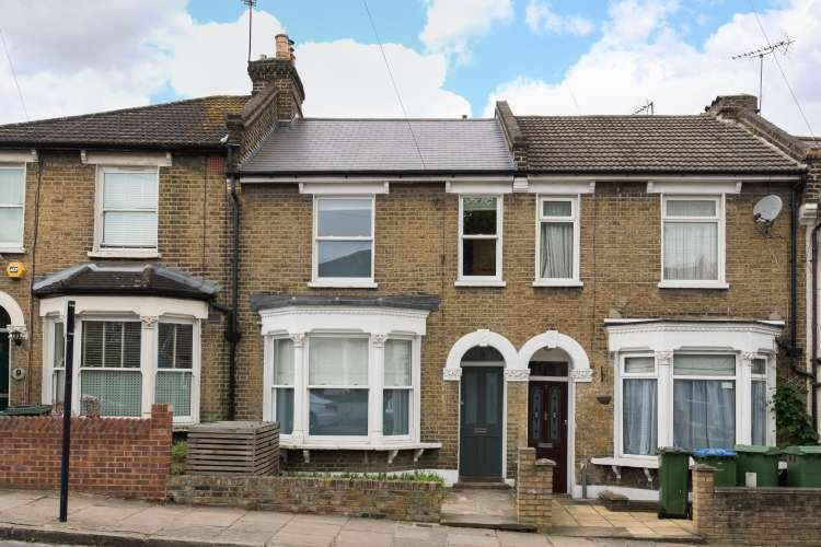 3 Bedrooms Terraced House for sale in Rainton Road London SE7
