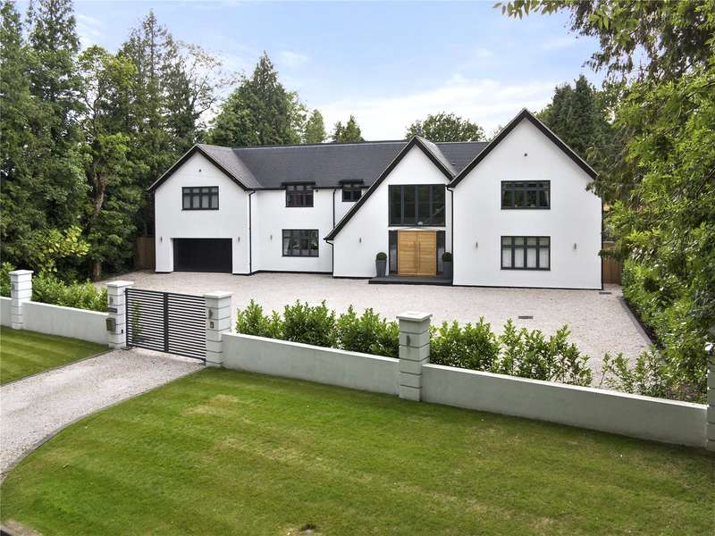5 Bedrooms Detached House for sale in Coulsdon Lane, Chipstead, Coulsdon, Surrey, CR5