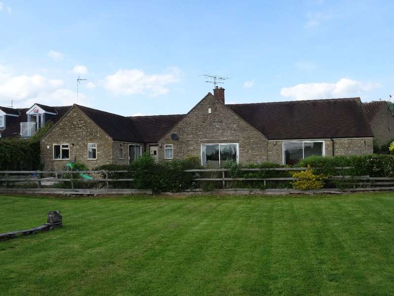 4 Bedrooms Detached House for sale in LEYS VIEW, SHERINGTON