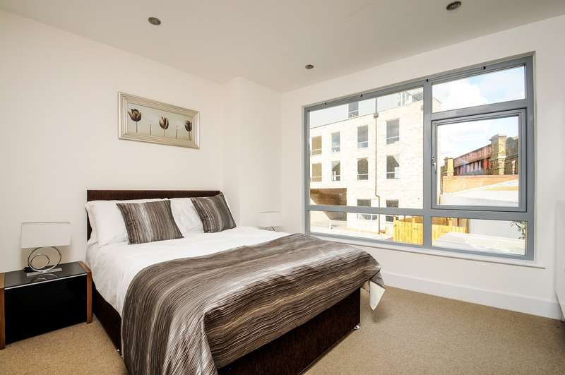2 Bedrooms Flat for sale in Putney Bridge Road, Putney, SW15