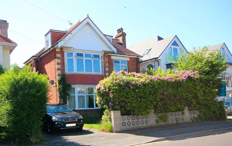 2 Bedrooms Apartment Flat for sale in Pinecliffe Avenue, Southbourne, Bournemouth