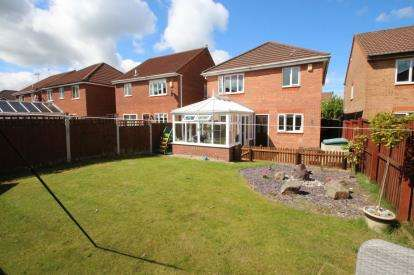 3 Bedrooms Detached House for sale in Rannoch Drive, Cherry Tree, Blackburn, Lancashire, BB2