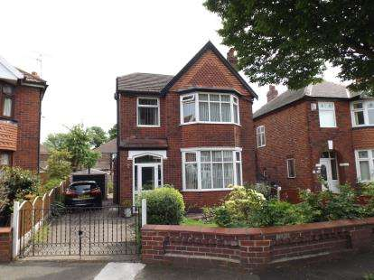 3 Bedrooms Detached House for sale in Green Walk, Stretford, Manchester, Greater Manchester