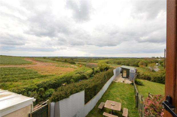 2 Bedrooms Terraced House for sale in Chapel Terrace, Manhay, Helston, Cornwall