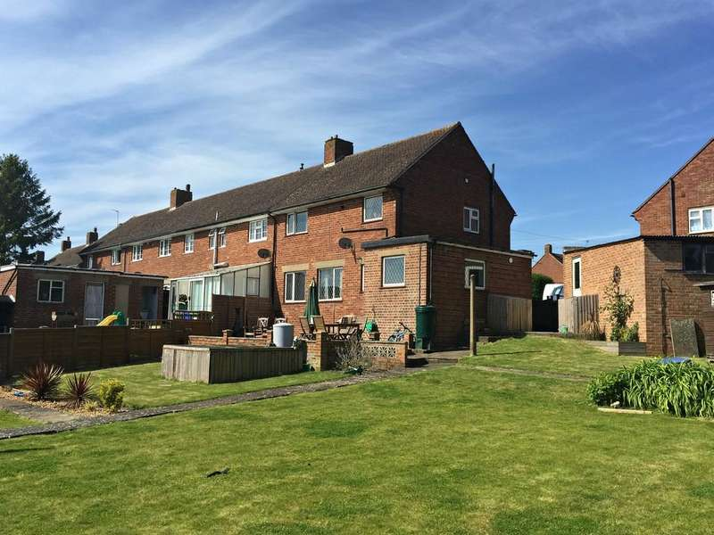 3 Bedrooms End Of Terrace House for sale in Beaumont Crescent, Brackley