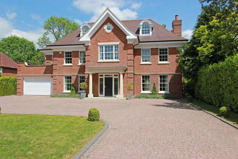6 Bedrooms Detached House for sale in Warren Drive, Kingswood