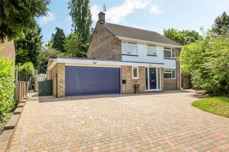 4 Bedrooms Detached House for sale in Beech Close, Chiddingfold, Godalming, Surrey, GU8