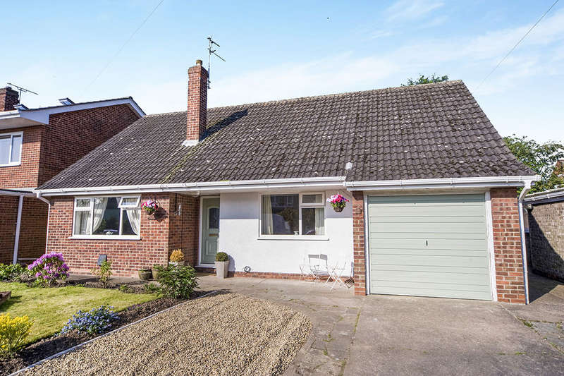 2 Bedrooms Detached Bungalow for sale in Riverdale Road, Swinefleet, Goole, DN14