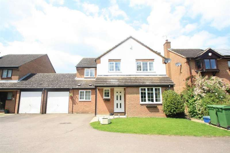 4 Bedrooms Detached House for sale in Trafalgar Avenue, Bletchley