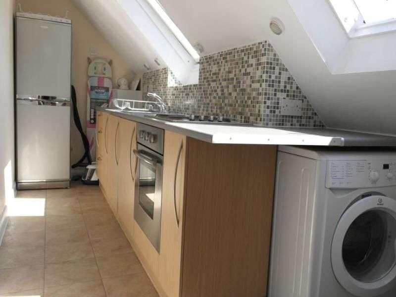 4 Bedrooms Flat for rent in Hollingdean Terrace, Brighton, BN1