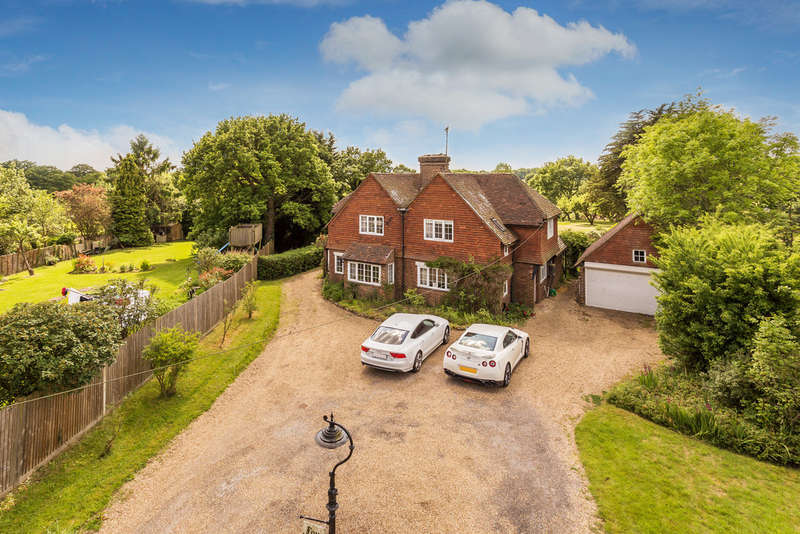 5 Bedrooms Detached House for sale in Merle Common Road, Oxted, RH8