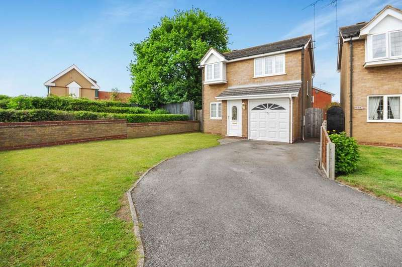 3 Bedrooms Detached House for sale in Abbots Road, Colchester