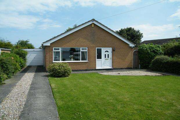 3 Bedrooms Bungalow for sale in St. Marys Road, Skegness, PE25