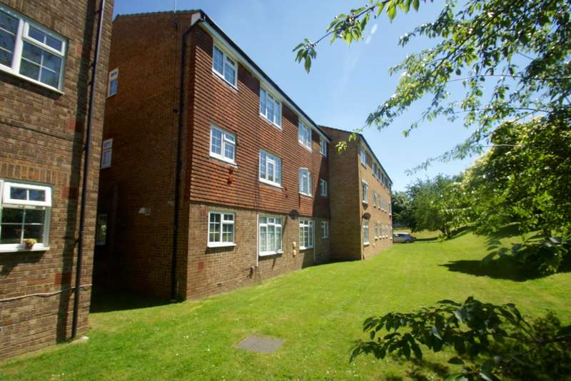 1 Bedroom Apartment Flat for sale in Mayford Close, Beckenham