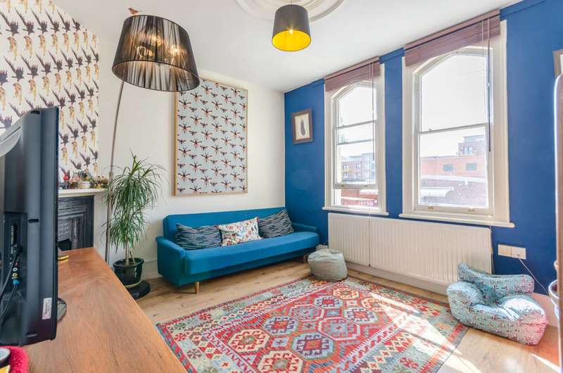 2 Bedrooms Maisonette Flat for sale in St Andrews Road, Walthamstow, E17