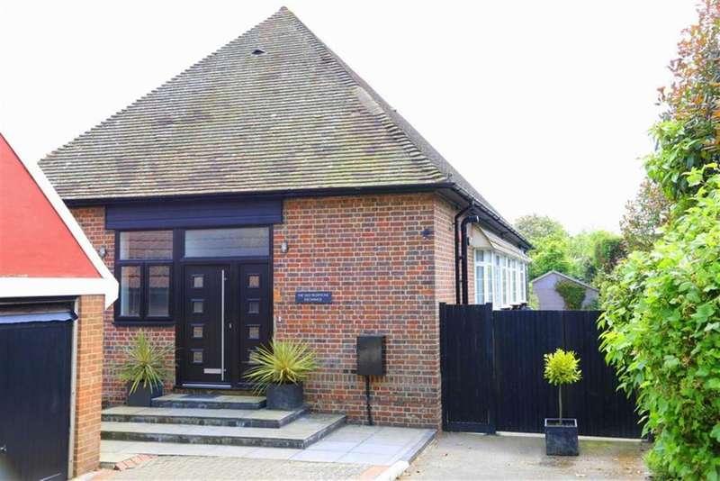 4 Bedrooms Detached Bungalow for sale in Pett Level Road, Fairlight