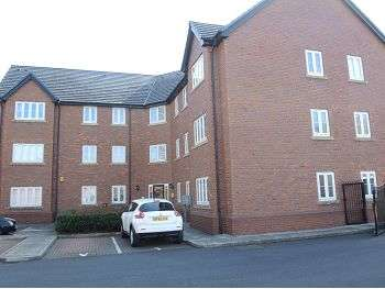 2 Bedrooms Apartment Flat for sale in Applewood Court, Halewood, Liverpool