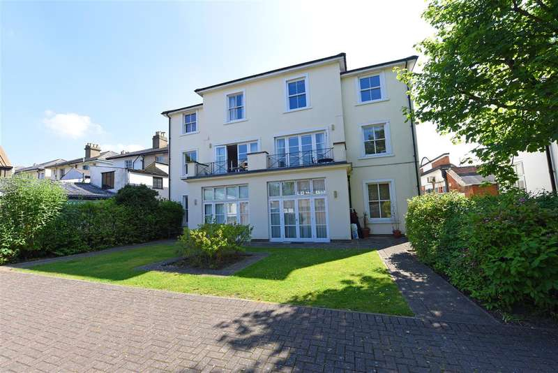 2 Bedrooms Apartment Flat for sale in Ewell Road, Surbiton