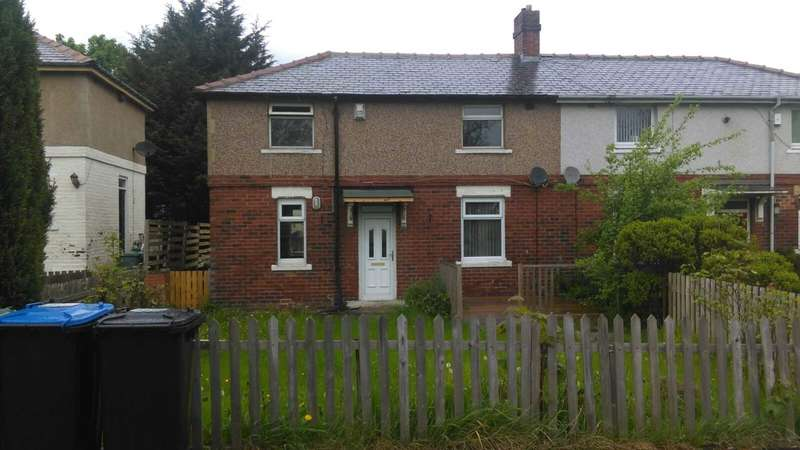 3 Bedrooms Semi Detached House for sale in Spencer Road, Bradford