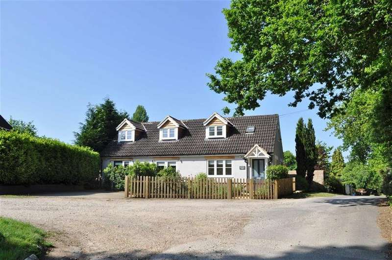 3 Bedrooms Chalet House for sale in Old Kiln Close, Farnham