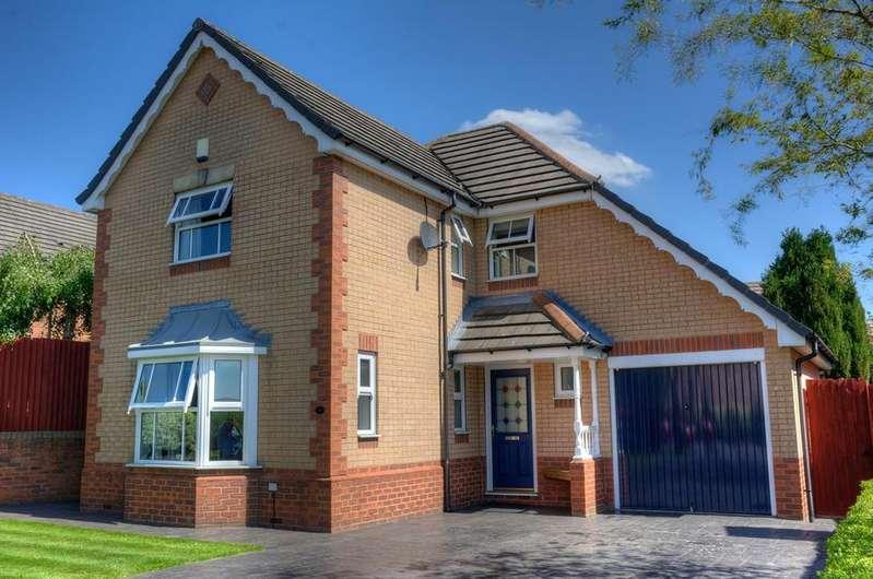 4 Bedrooms Detached House for sale in Park Copse, Horsforth, Leeds