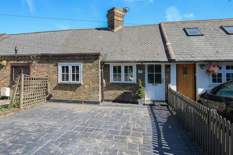 2 Bedrooms Terraced House for sale in The briars, Kelvedon Hatch, Brentwood