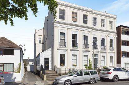 1 Bedroom Flat for sale in Priory Street, Cheltenham, Gloucestershire, Cheltenham