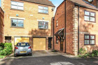 2 Bedrooms Terraced House for sale in Ferndale Court, Coventry Road, Coleshill, Birmingham