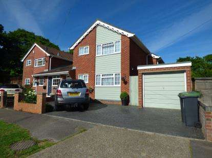 3 Bedrooms Link Detached House for sale in Gosport, Hampshire