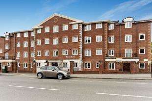 1 Bedroom Retirement Property for sale in Bourne Court, 91-103 Croydon Road, Caterham, Surrey