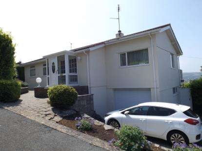3 Bedrooms Bungalow for sale in Plas Gwilym, Old Colwyn, Colwyn Bay, Conwy, LL29