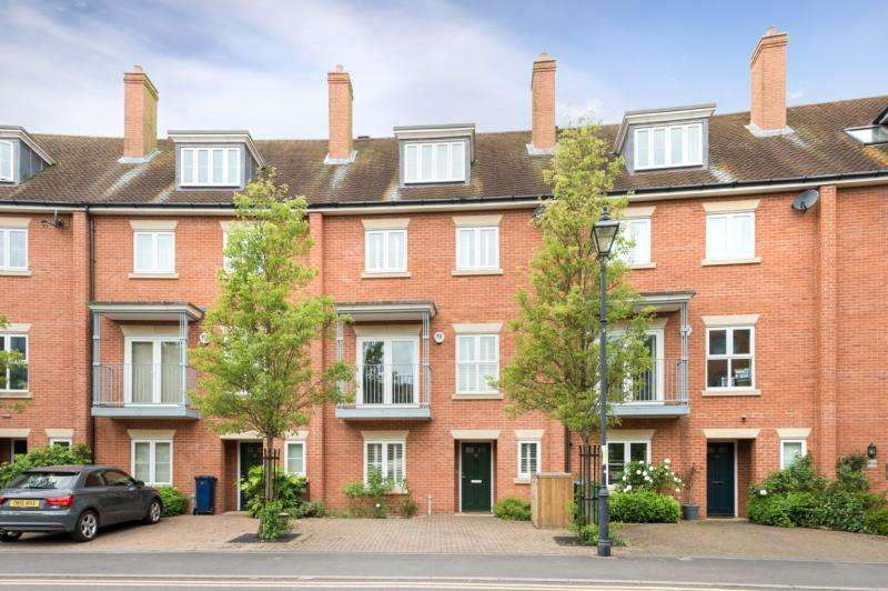 4 Bedrooms Terraced House for sale in William Lucy Way, Oxford