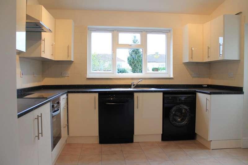 3 Bedrooms Property for sale in Boleyn Avenue, Enfield, London, EN1