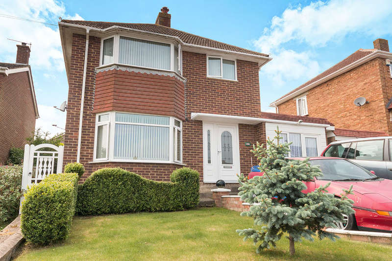 4 Bedrooms Detached House for sale in Madeira Drive, Hastings, TN34