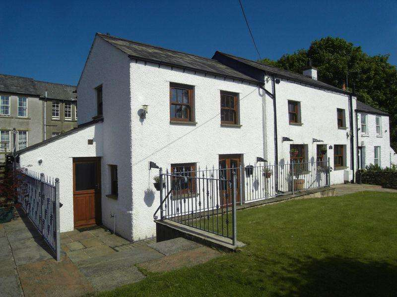3 Bedrooms Semi Detached House for sale in 32 Loftus Hill, Sedbergh