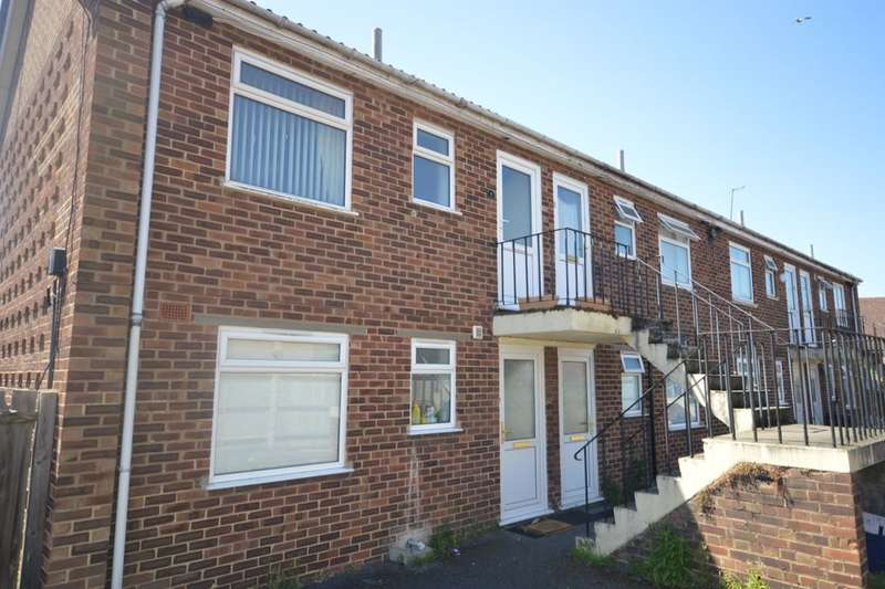 1 Bedroom Flat for sale in North Holmes Road, Canterbury, CT1