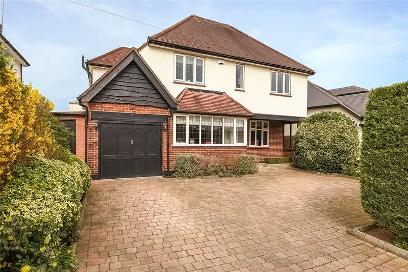 4 Bedrooms House for sale in Mead Way, Ruislip, Middlesex, HA4