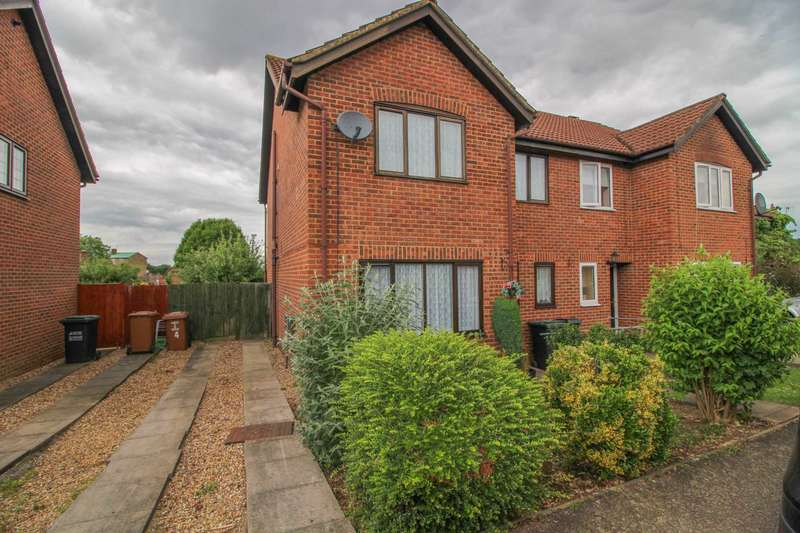 4 Bedrooms Semi Detached House for sale in Gosforth Path, South Oxhey