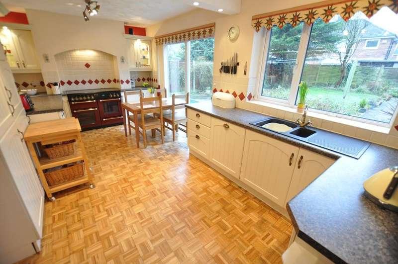 4 Bedrooms Detached House for sale in Duddle Lane, Walton Le Dale, Preston, Lancashire, PR5 4TB