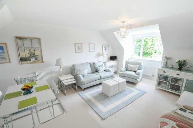 1 Bedroom Flat for sale in Tarrant Close, WIMBORNE, Dorset