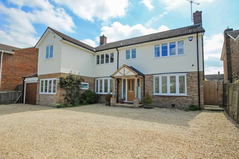 4 Bedrooms Detached House for sale in Chequers Lane, Pitstone