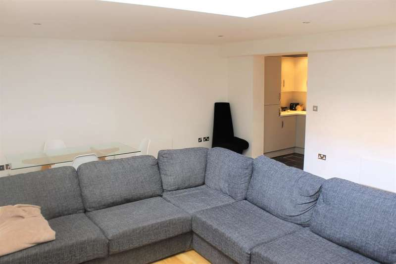 2 Bedrooms Duplex Flat for rent in Dock Street, Leeds, West Yorkshire, LS10 1NA