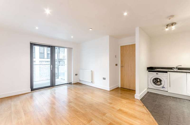 1 Bedroom Flat for sale in Mercury House, Canning Town, E16