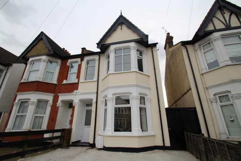 4 Bedrooms Semi Detached House for sale in Claremont Road, Westcliff On Sea, SS0