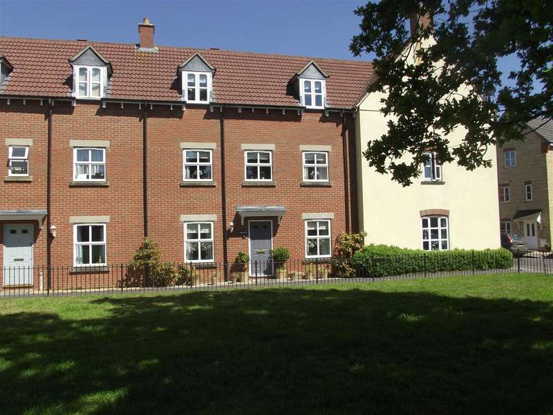 4 Bedrooms Town House for sale in Grayling Close, Calne