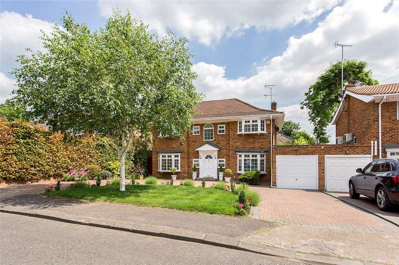 4 Bedrooms Detached House for sale in Hathaway Close, Stanmore, Middlesex, HA7