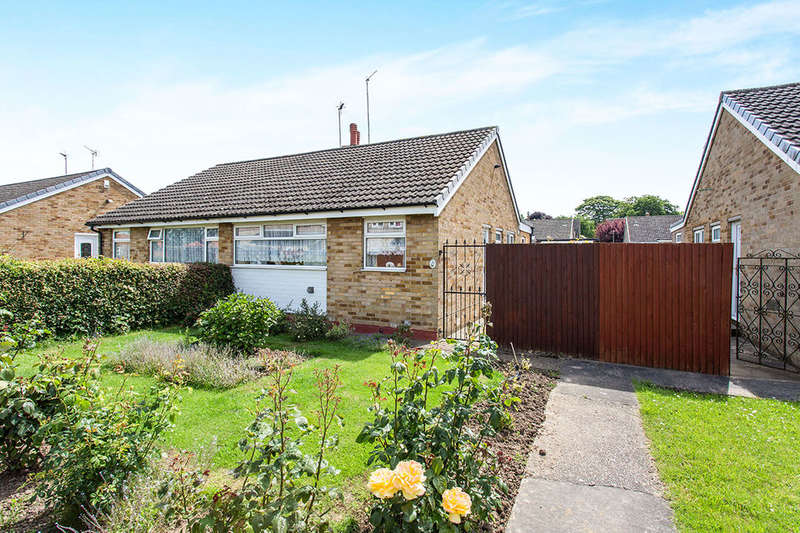 2 Bedrooms Semi Detached Bungalow for sale in Harfry Walk, Goole, DN14